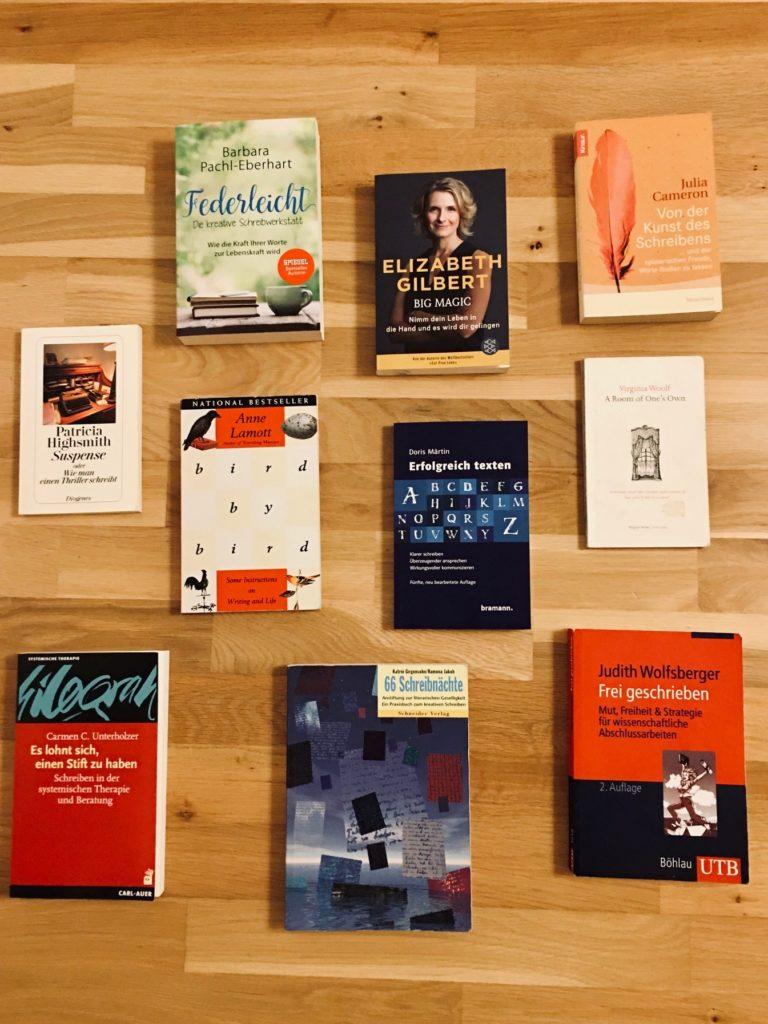 Autorinnenschuber von Treffpunktschreiben, 10 Bücher von Frauen über das Schreiben